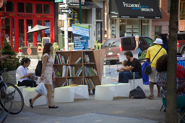 Uni wraps up six monthly reading rooms at Fulton Street plazas in Brooklyn